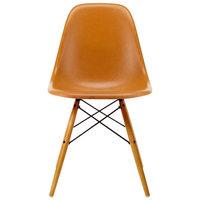 Vitra Eames DSW Fiberglass tuoli, dark ochre - vaahtera