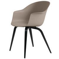 Gubi Bat tuoli, new beige - mustat pyökkijalat