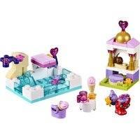 Treasuren päivä altaalla (Lego 41069 Disney Princess)