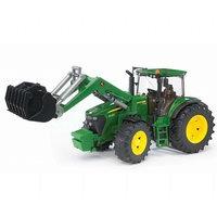 John Deere 7930 traktori etukaivurilla (Bruder 3051)