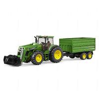 John Deere Traktori perävaunulla (Bruder 3055)